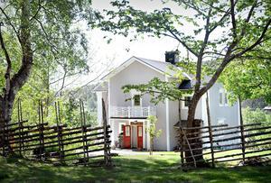 Det var Svantes farfars farfars far som allt började med. Pehr Stattin var född i Kungsgården strax norr om Nässom, han gifte sig 1812 med Anna Olsdotter och paret köpte samma år gården.