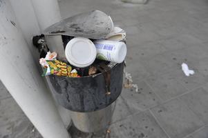 Take away-trenden ökar mängden sopor på offentliga platser.