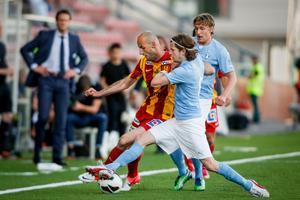 Närkamp i en match mot Malmö FF.