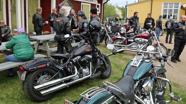 Många fina motorcyklar fanns att kika på när första samlingen hölls.