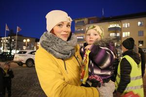 Ivar Sverkersson verkade nöjd med dagen. Han hade haft det roligt på julgransplundringen berättade Sandra Ramstedt innan de skulle gå hem.