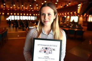 Ellen Jansson, och Karin Arthursson, fick 2:a priset i den lokala UF-tävlingen. Karin var tyvärr på utbildning i Stockholm när priset delades ut.