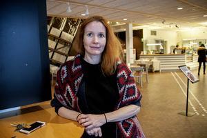 Jenny Samuelsson, länsmuseichef, svarar på kritiken.