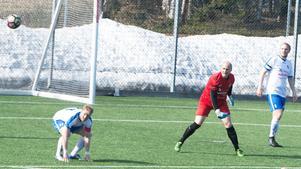 Christoffer Högbom fick se en boll passera bakom honom i Timråmålet.