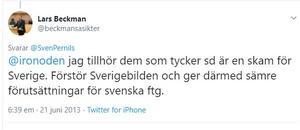 Numer deltar Lars Beckman i högsta grad i arbetet med att få det att verka som att Sverige står i brand.