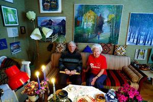 Arild och Margit Wiklander tycker om motion och konst. Nyligen firade paret 60-årig bröllopsdag.