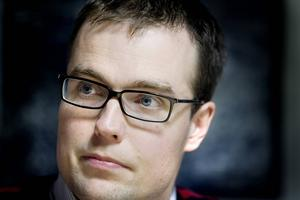 Patrik Stenvard (M), vill samarbeta med majoriteten för att lösa Region Gävleborgs kris.