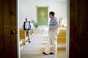 Församlingen läggs ned.– Det är bara att konstatera att vi blir äldre. Det är sorligt, men inte praktiskt och ekonomiskt möjligt att ha den kvar, säger Lars-Göran Östrand och Anna Wretblad.  Enligt Anna Wretblad kommer de flesta medlemmarna nu i stället söka sig till Betlehemskyrkan i Gävle.