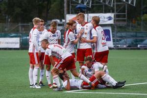 Vid seger eller förlust på lördag får Hudiksvalls FF möta det 13:e placerade laget i division 1 norra i ett dubbelmöte.