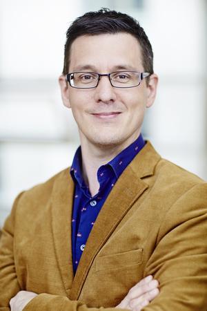 Mikael Persson (L). Foto: Privat