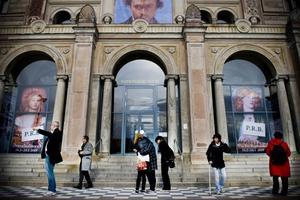 775 miljoner är alldeles för dyrt, tycker kulturministern. När Neues Museum i Berlin öppnar i höst är det efter en renovering som kostat minst två miljarder kronor.
