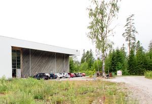 Kulturreservatets folkhögskola kommer hålla till i Teatermaskinens lokaler.