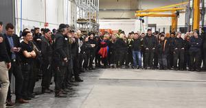 Personalstyrkan på plats inför invigningen hos Strömsunds Kvalitetslego där investeringen placerats.