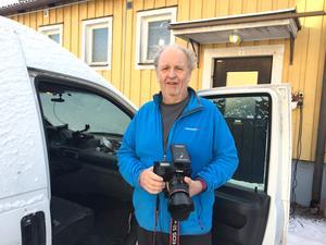 Under sommarhalvåret är Lennart Larsson ständigt ute för att fotografera blixtar. På vintern är det mer sällsynt, eftersom åskvädren är mer svårförutsägbara.
