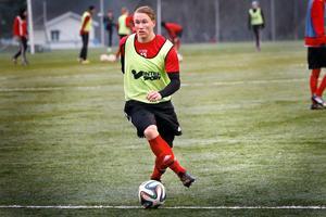Emil Skogh från Hallstavik är tillbaka i BKV Norrtälje efter spel i bland annat division 1 och norska andradivisionen.