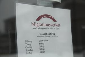 Migrationsverket hade kontor i Sveg. Allteftersom ändrades öppningstiderna och till slut stängdes kontoret helt.