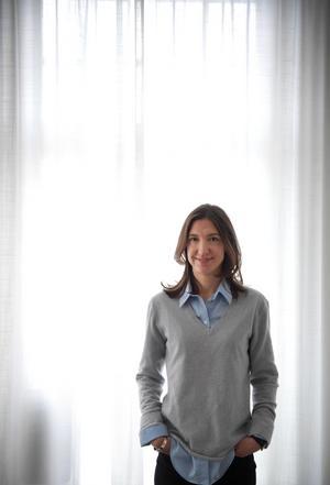 Christin Persson förklarar att belysningen är viktig: