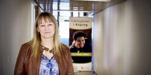 """Folkhögskolan i Köping har blivit bestulen på flera datorer. """"Jag tänker att det bara var materiella ting, även om det är obehagligt att någon varit in i ett av våra arbetsrum"""", säger Elin Ragnebro, biträdande rektor.  Arkivfoto: Linda Åkerström."""
