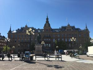 Sundsvall är staden där det är fritt fram att anonymt ange vem man behagar, och sedan få frikostiga utredningsresurser till sitt förfogande, skriver Tomas Melander.