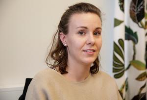 Ungdomarna som får jobba som kommunutvecklare får grotta ner sig i frågor som berör ungdomar, säger ungdomssamordnare Matilda Kilström.
