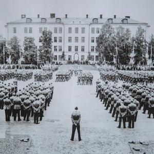 I13:s 50-årsjubileum på regementet i Falun i juni år 1957. Foto: Sven Jansson/Dalmas arkiv