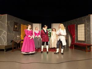 Under söndagen hade de repetitioner med full kostym inför premiären under söndagen den 17 mars.