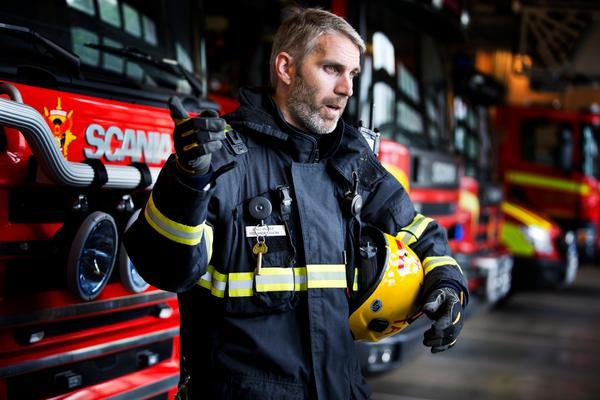 Ted Andersson ska kombinera uppdraget som sportchef med sitt nuvarande jobb som brandmästare.