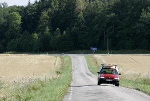 Folkhälsomyndighetens generaldirektör Johan Carlson förtydligade i samband med presskonferensen att de kortare resorna som kan göras med bil ändå förutsätter att man exempelvis inte umgås i större grupper eller träffar människor som är i riskgruppen. Bilden är en genrebild.