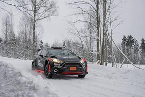 Johnny Andersson styrde in sin Ford Fiesta R5 på en fin 25:e plats i Svenska rallyt.Foto: R-Sport