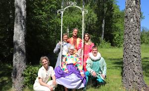 Linda Kulle, Karin Bergquist, Anne Kulle, Dick Eriksson, Amanda Krüger och Joel Schmidt, samlade i repetitionskläder.