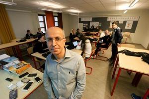 Yakup Bilge, doktor, och lärare på Kumlaby skola. – Det finns väl någon tanke att det jag gör ska hjälpa skolans utveckling.
