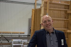 Dan Gustafsson, VD för Byggutbildningen Star i Dalarna AB, tycker utbildningarna ofta är för fyrkantiga