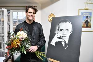 Erik Ehn får årets O'Neillstipendium av Dramaten där han arbetar.