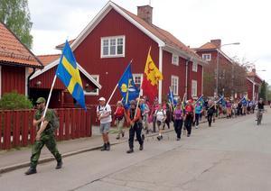 Fredag 11 maj.  På väg mot landshövdingens residens i Falun. Foto: Jan-Olof Montelius