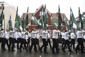 Nordiska motståndsrörelsen (NMR) demonstrerar i Ludvika på 1 maj 2018. Foto: Ulf Palm / TT.