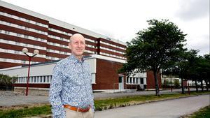 – Det stora problemet är rekryteringen till primärvård och redan på 90-talet hade vi ett rekryteringsproblem och avregleringen har inte löst det problemet, säger Martin Enander, chefläkare i Region Västernorrland.