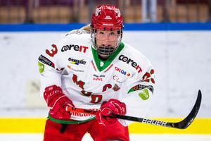 Modokaptenen Olivia Carlsson satt utvisad när SDE sköt det matchavgörande målet på Ulriksdals IP på lördagen. Bild: Simon Eliasson/Bildbyrån