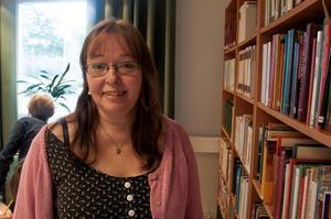 Det var första gången som författaren Sanna Juhlin från Söråker besökte Hammarstrands bibliotek.