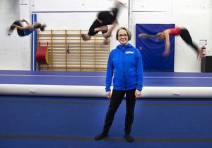 Maggan Mörk var med att starta truppgympan, en idrott som blivit otroligt populär. Nu har sporten runt 400 aktiva ungdomar.