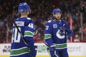 Pettersson och Edler stod för tre poäng var i matchen, som Vancouver vann med 5–1.  Foto: TT