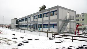 Moduler är dyra att hyra och nu ska de bort för att ge plats för en permanent förskola vid Rågen.