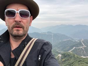 Johan Testad, på en bild från äventyr i Kina. Foto: privat