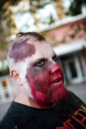 – Jag tyckte att det skulle vara kul att se om det gick att få till en lokal variant av zombiewalk, säger initiativtagaren Kenneth Engelin, 28.