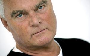 Lasse Bengtsson kommer till Peace & Love och pratar om krig.