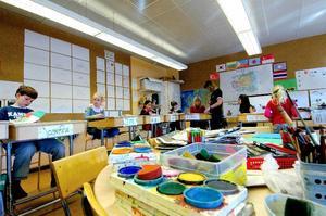 Konstigt. Några av eleverna valde att ägna lite tid och måleri och pyssel.