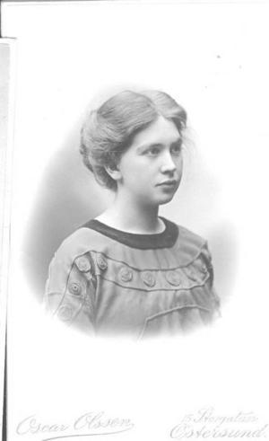 Så här såg hon ut, Ida Larsson, flickan vars dagbok är grunden till att Jamtlis och Landsarkivets stadsvandringar kom till.