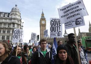 Brittiska lärare slåss för bättre villkor. Den här bilden är från en strejk förra veckan.