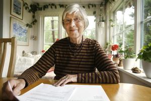 Inger Holmlund vill att fler ska bli medvetna om vad kärnvapen kan orsaka.