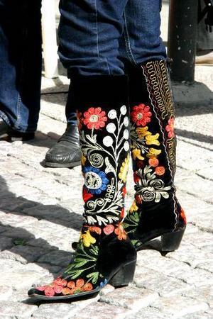 Cecilia Wikströms stövlar har redan blivit omtalade i EU-valrörelsen. De är tillverkade i Turkmenistan.