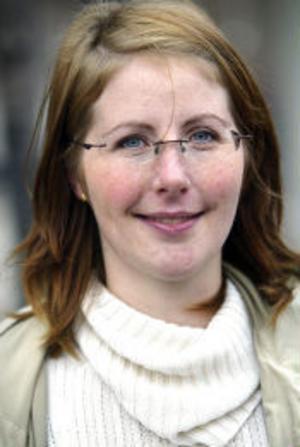 Elin Sjöstedt, 30 år, mammaledig, Fagervik:- Vet inte vilka andra som finns att välja på. Det är ju bara Ewa Back som syns i medierna.